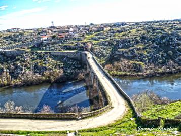 Puente viejo, ermita y barrio de los Mesones, Ledesma