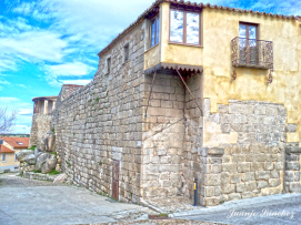 Restos puerta de Herreros, muralla de Ledesma