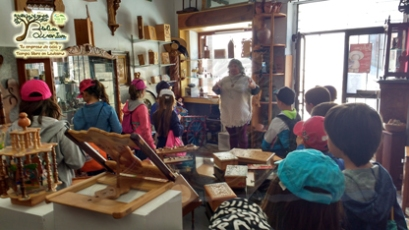 escolares escubriendo la artesanía en Ledesma